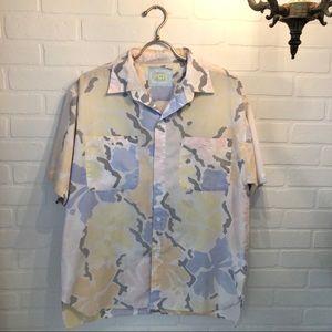Other - Vintage Hawaiian Lightweight Button Down Shirt